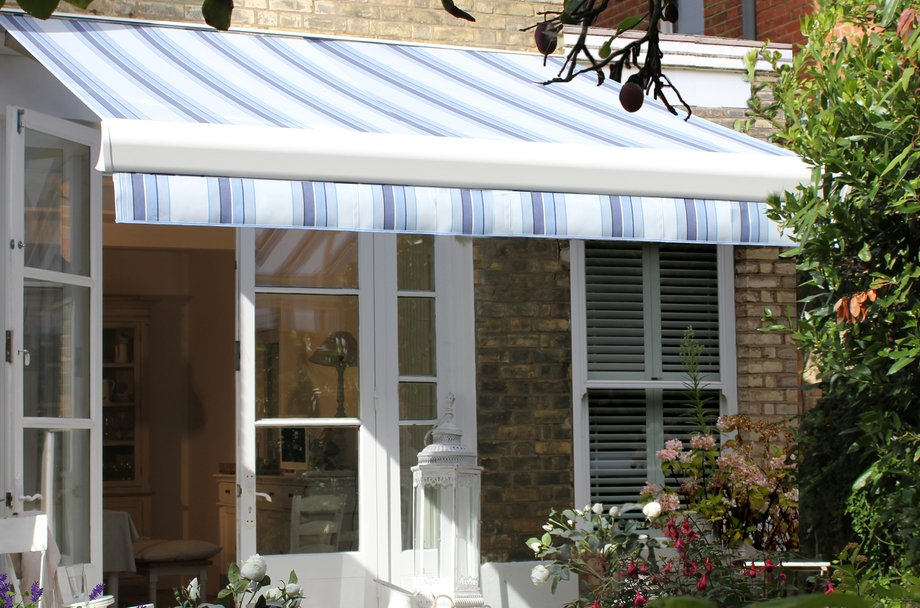 elegant plus l retractable electric ideas awning soapp culture the residential images motorized services awnings