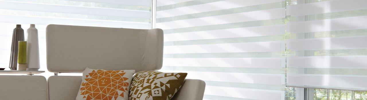 badkamer raam luxaflex: cedeko horizontale jaloezieën., Badkamer