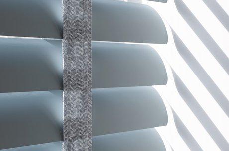 50 mm horizontale jaloezie met decoratief ladderband