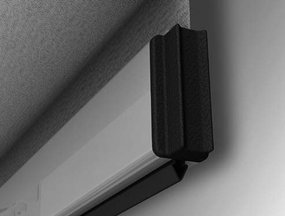 Bottom bar with rubber seal